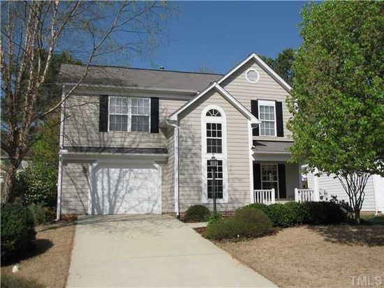 304 Stone Hedge Ct, Holly Springs, NC 27540