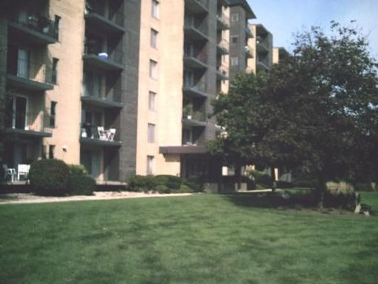 5400 Walnut Ave APT 504, Downers Grove, IL 60515