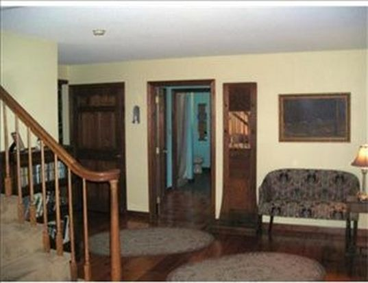 370 Willow Ave, Haverhill, MA 01835