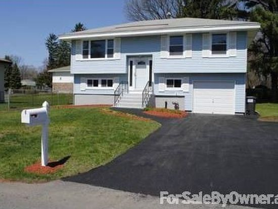 98 Wilkins Ave, Colonie, NY 12205