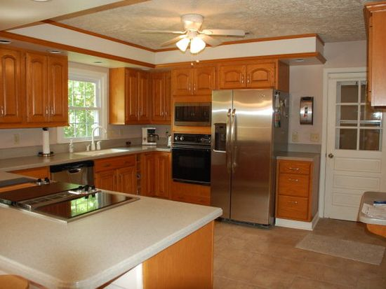 328 Mountain View Ave, Bluefield, WV 24701