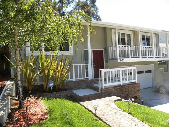 1042 Park Pacifica Ave, Pacifica, CA 94044