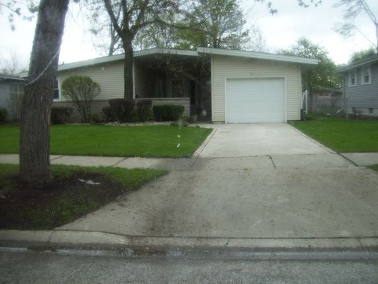 8003 Monroe Ave, Munster, IN 46321
