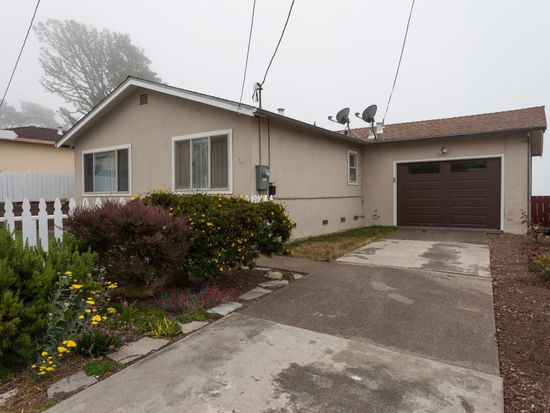 448 Heathcliff Dr, Pacifica, CA 94044