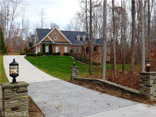 8308 Linville Oaks Dr, Oak Ridge, NC 27310