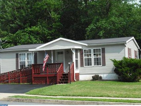 250 W 7th St, Red Hill, PA 18076
