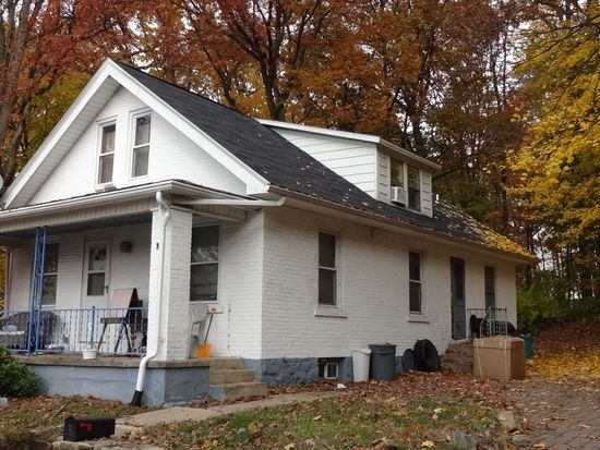 727 Lechauwecki Ave, Fountain Hill, PA 18015