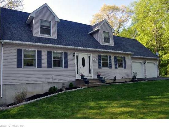 44 Hunters Ct, Colchester, CT 06415