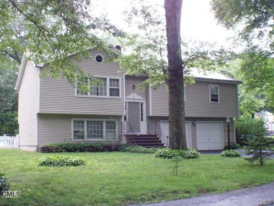 40 Birchwood Dr, Fairfield, CT 06824