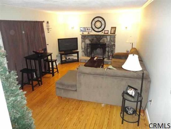 1220 Coplon Ave, Schenectady, NY 12309