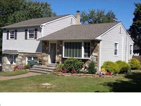 373 Heathcliffe Rd, Huntingdon Valley, PA 19006