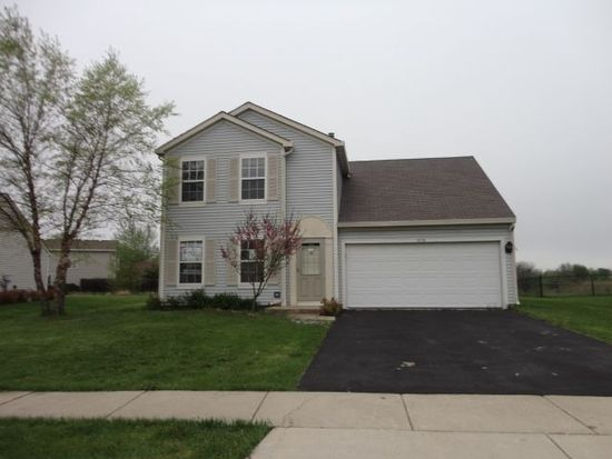 1456 Marleigh Ln, South Elgin, IL 60177