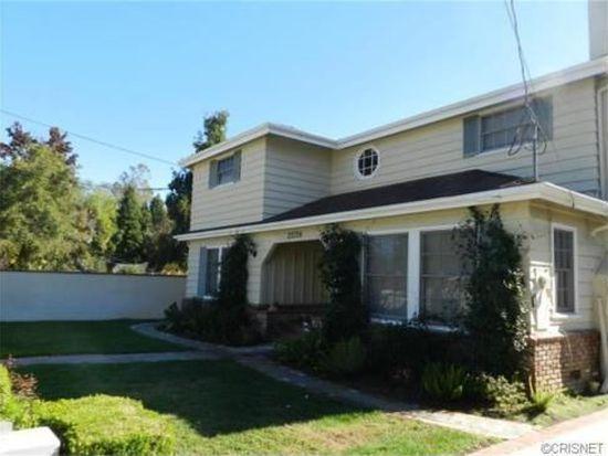 22714 Calvert St, Woodland Hills, CA 91367