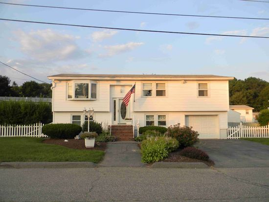 14 Westchester Dr, Lawrence, MA 01843