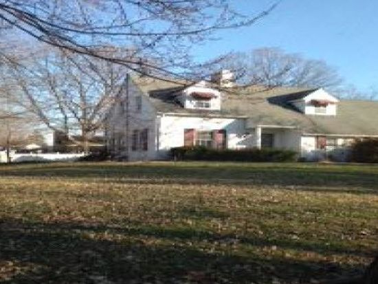 12 Orchard Ln, Anderson, IN 46011