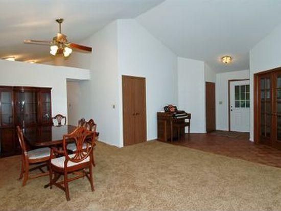 2095 Savannah Rd, Elgin, IL 60123