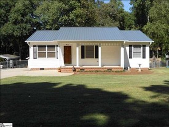 335 Pinonwood Dr, Simpsonville, SC 29680