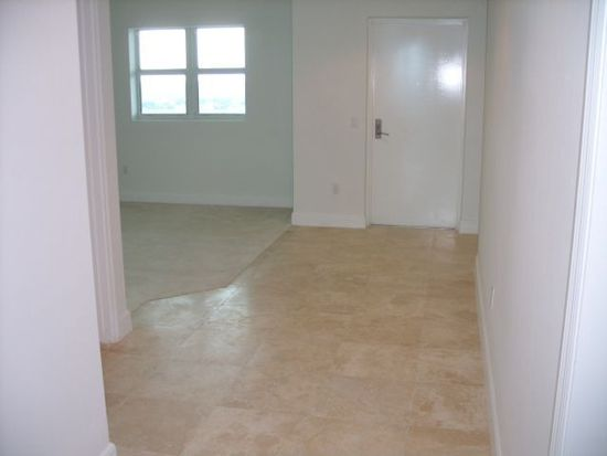 15051 Royal Oaks Ln APT 2203, North Miami, FL 33181