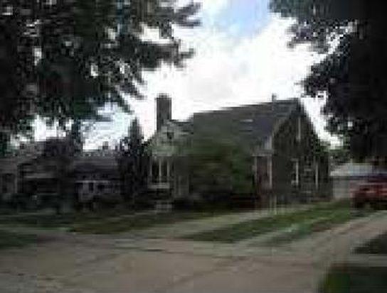 2190 Hawthorne Rd, Grosse Pointe Woods, MI 48236
