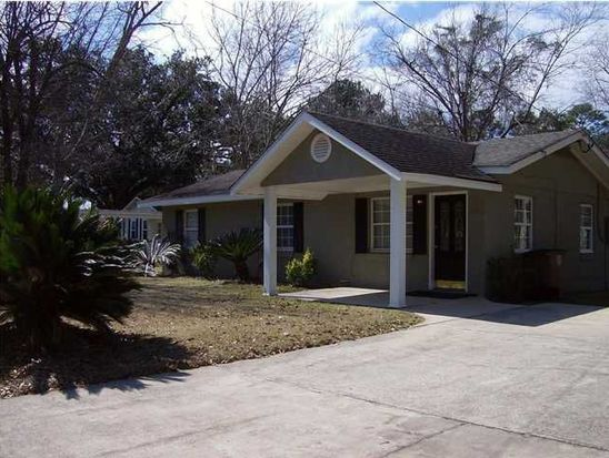 2212 Clearwater St, Mobile, AL 36609