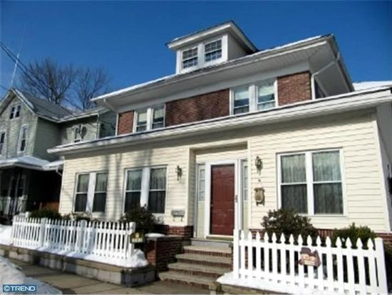 201 W Penn Ave, Robesonia, PA 19551