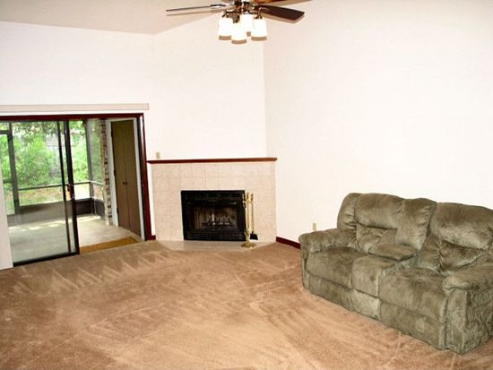 2740 NW 39th Dr, Gainesville, FL 32606
