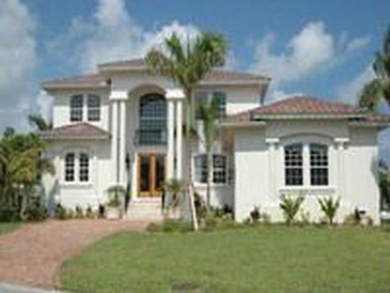642 Key Royale Dr, Holmes Beach, FL 34217