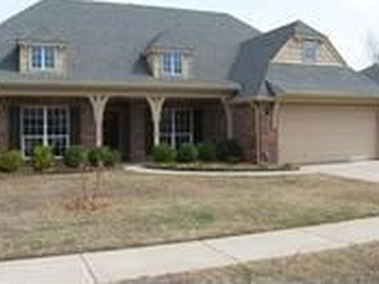 611 N Sycamore St, Jenks, OK 74037