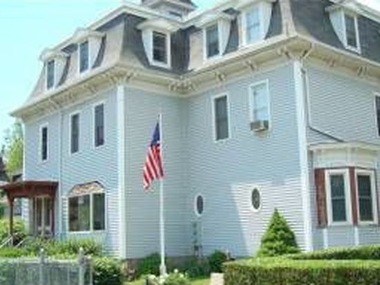 32 Underwood St, Fall River, MA 02720