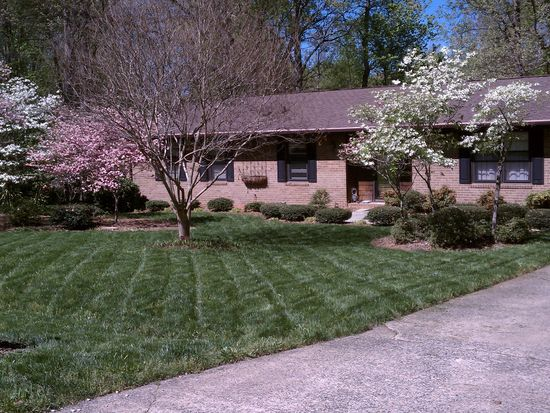 2909 Charolais Dr, Greensboro, NC 27406