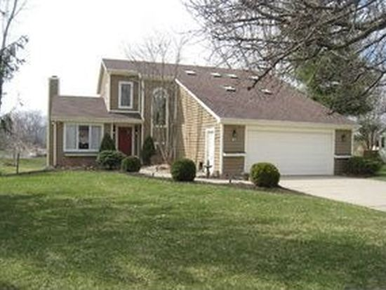 37 Callery Pear Dr, Batesville, IN 47006