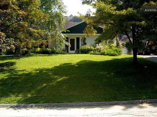 180 Woodland Dr, York, PA 17403
