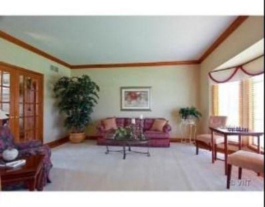 85 Marywood Trl, Wheaton, IL 60189