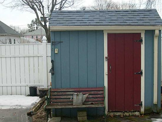 19 Poirier St, Pawtucket, RI 02861
