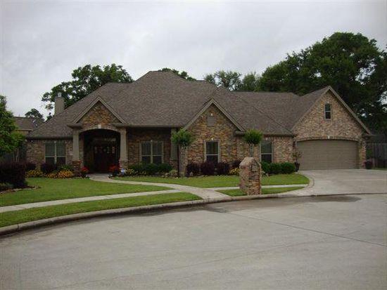 2300 Saybrook Ln, Port Neches, TX 77651