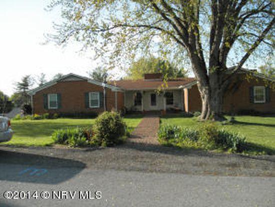 245 Briarwood Dr, Christiansburg, VA 24073