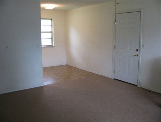 512 E Vincent Ave, Coalgate, OK 74538