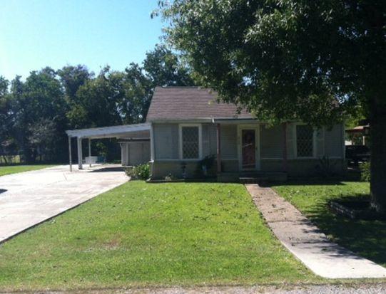 2729 1st Ave, Groves, TX 77619