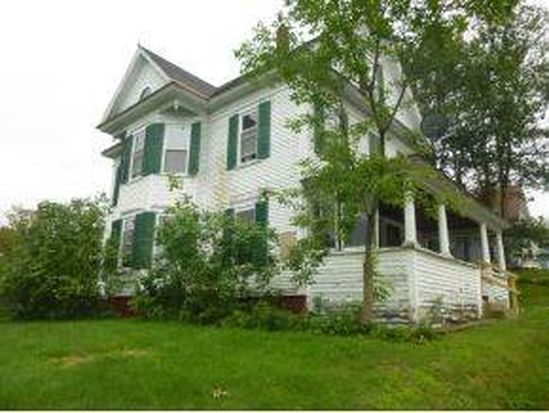 34 Williams St, Lancaster, NH 03584