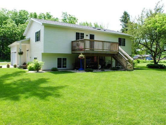 N1189 Walnut Rd, Genoa City, WI 53128
