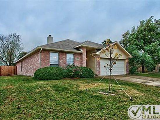 2119 N Kirbywood Trl, Grand Prairie, TX 75052