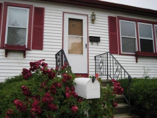 111 Sycamore St, New Bedford, MA 02740
