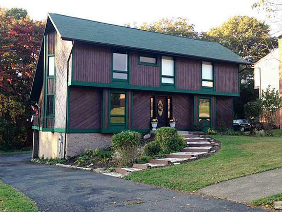 217 Windsor Dr, Coraopolis, PA 15108