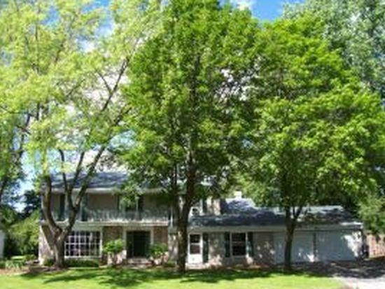 620 W Briar Ln, Green Bay, WI 54301