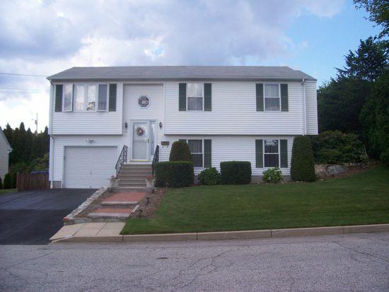 10 Stony Acre Dr, Cranston, RI 02920