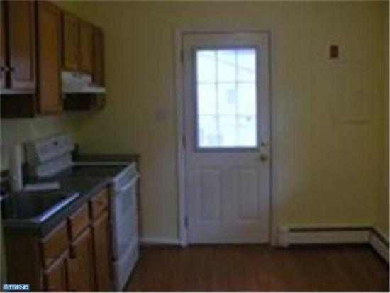 338 Larch Rd, Mount Laurel, NJ 08054
