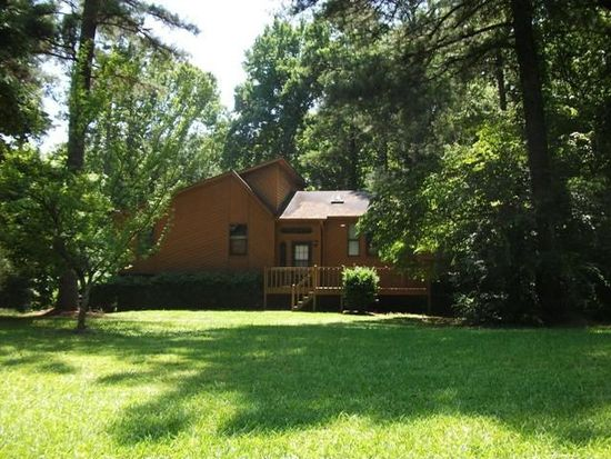 6131 Brook Ln, Acworth, GA 30102