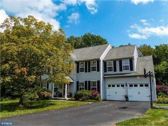 130 Hopkins Cir, Chalfont, PA 18914