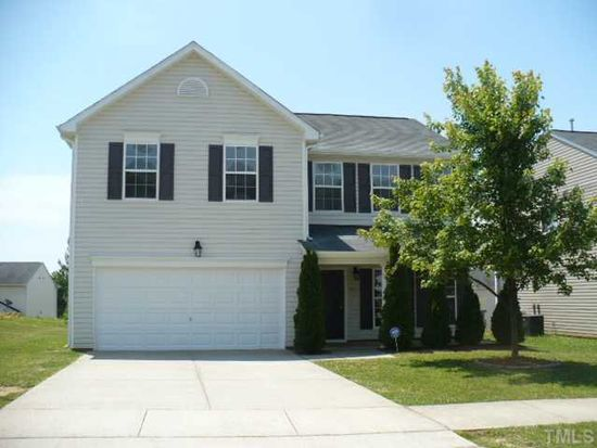 821 Tannerwell Ave, Wake Forest, NC 27587