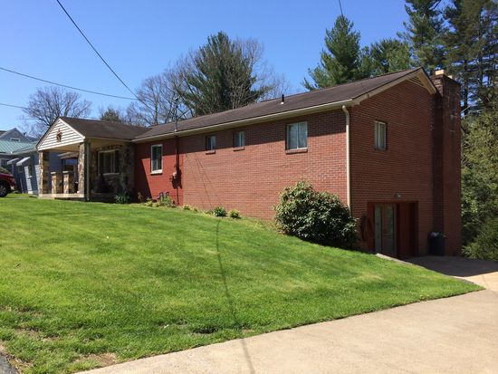 380 Mankin Ave, Beckley, WV 25801